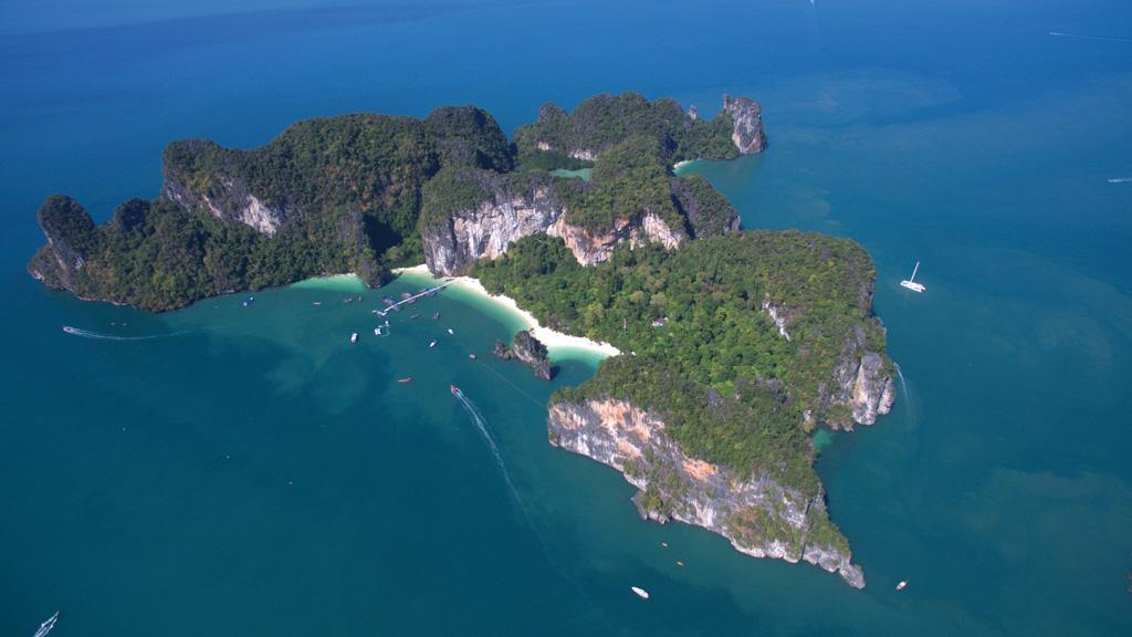 Koh Hong, Krabi - Photo by Image courtesy of Lee Marine International Marine Brokerage. Photographer: Jim PouLsen