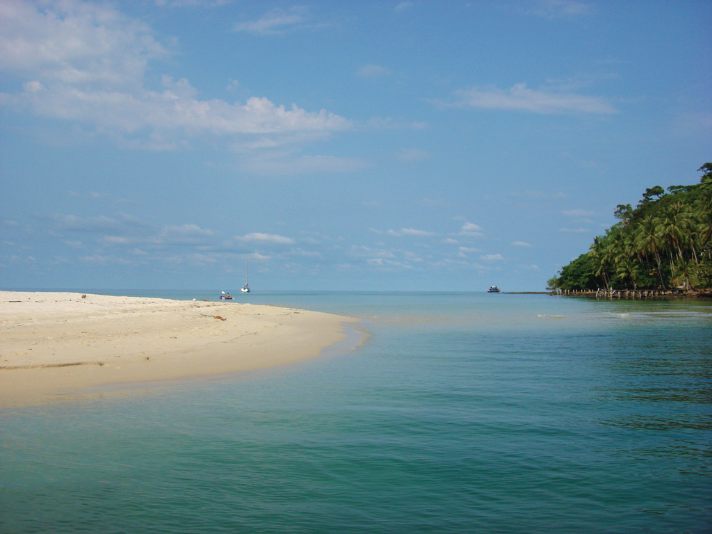 Sand spit at Ao Khlong Chao - Photo by BillO'Leary