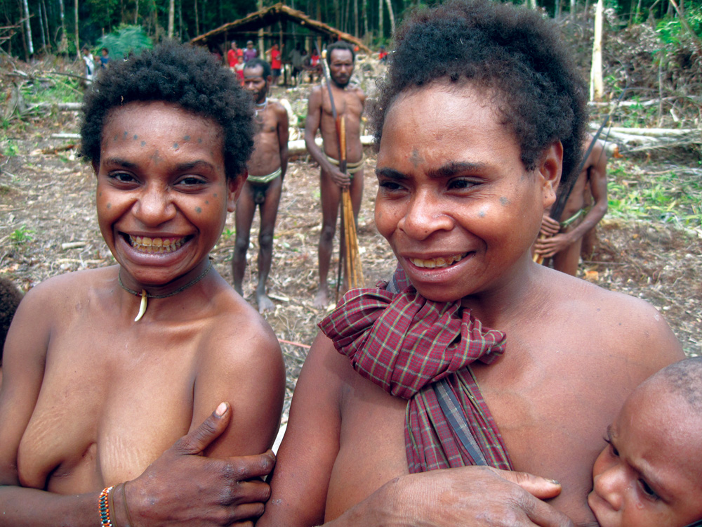 South Papua's Asmat tribespeople - no longer head-hunting - Photo by Bill O'Leary