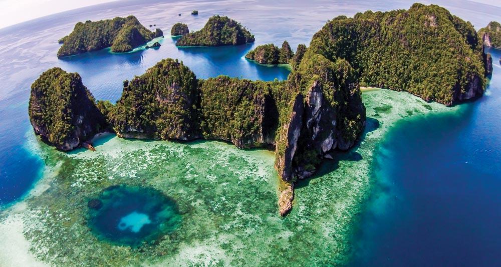 Pelee Island, Misool Raja Ampat | Photo by APS Indonesia