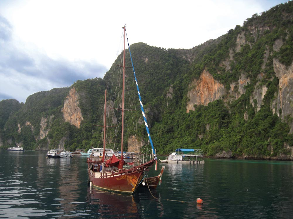 The best part of the anchorage at Tonsai Bay