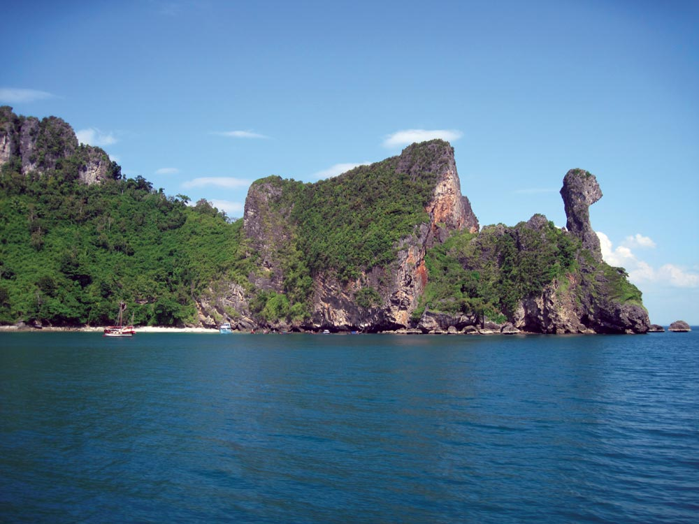 Koh Dam Khwan (Poda Nok) also known as 'Chicken Island' | Photo by Bill O'Leary