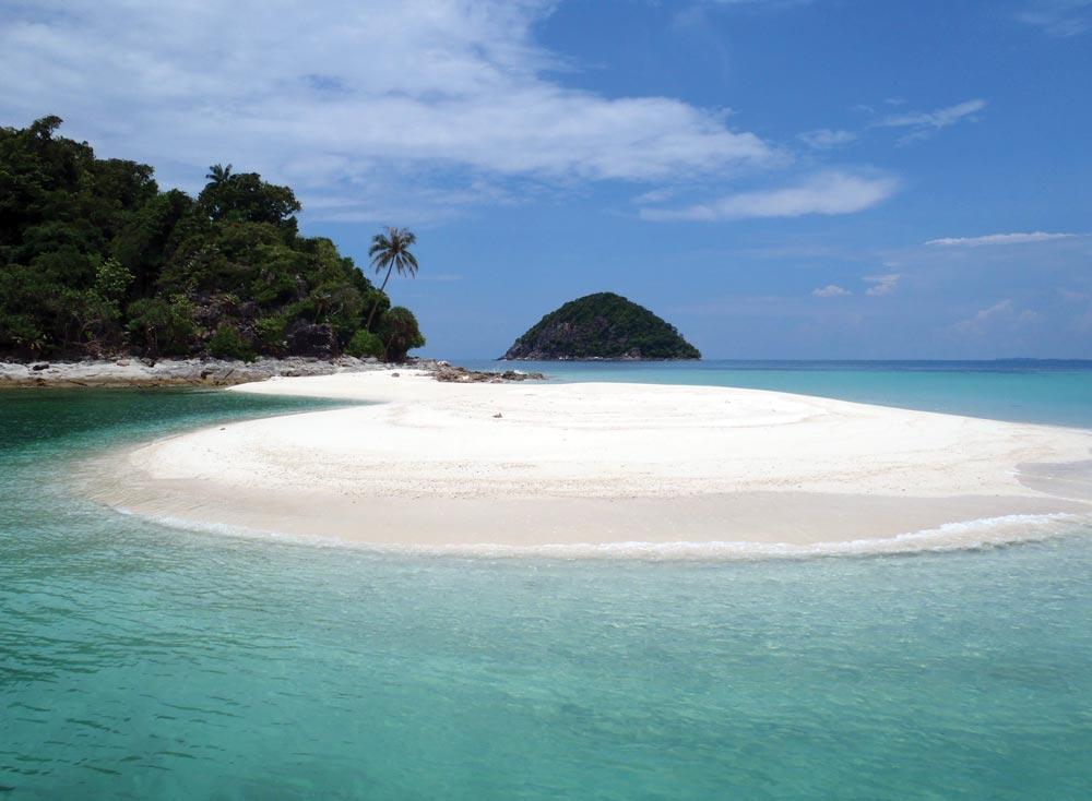 Kukus Island, ESE of Sibu Tengah Island