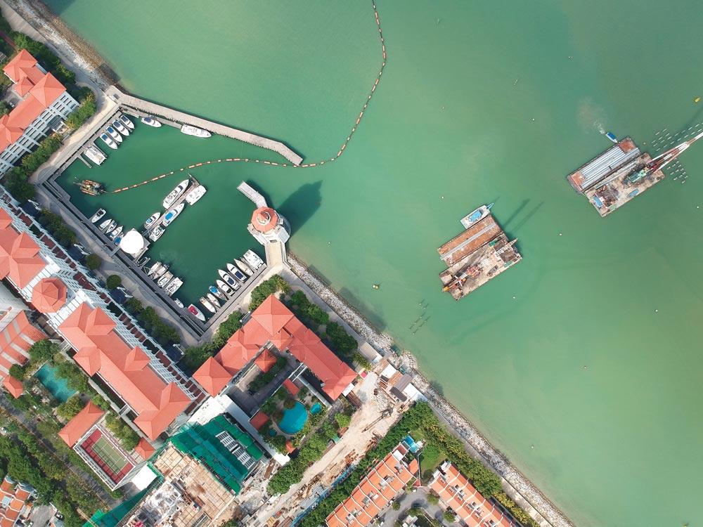 Straits Quay Marina with pilings for Seri Tanjung Pinang Bridge
