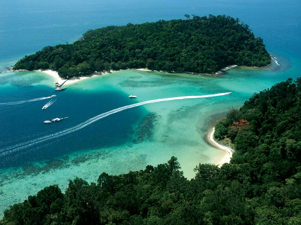 Pulau Gaya away from the immigrant settlements