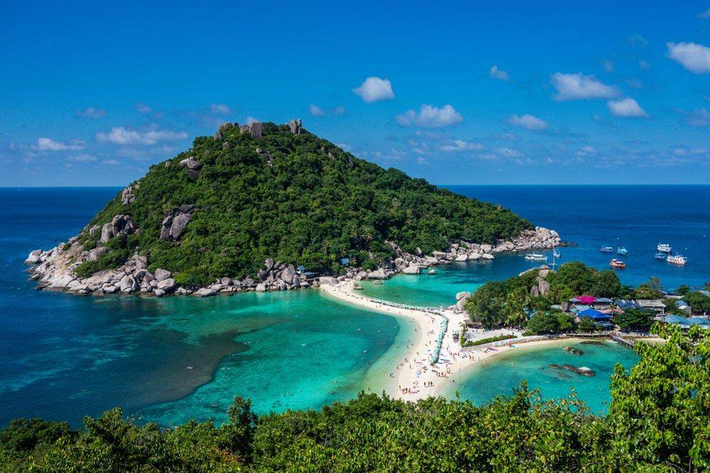 Koh Hang Tao & Nang Yuan, Gulf of Thailand | Photo by Visions of Domino/creativecommons.org