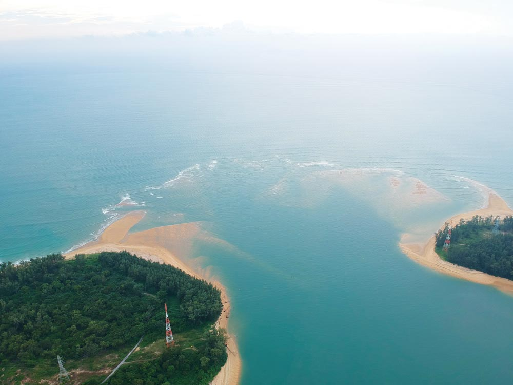 Sandbars at the  western entrance to the Sarasin/Chong Pak Phra Channel   Photo by Bill O'Leary