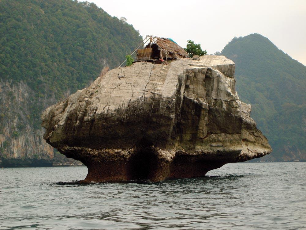 Koh Muk birds' nest guard hut