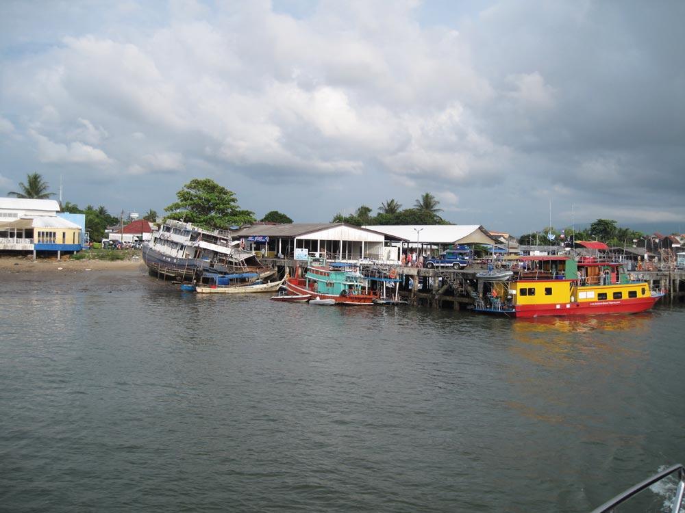 Thap Lamu jetty