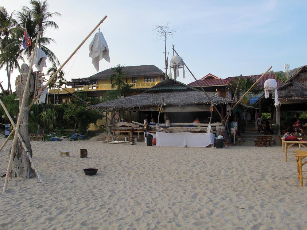 Yachties' favourite restaurant on Hat Kan Tiang, Koh Lanta